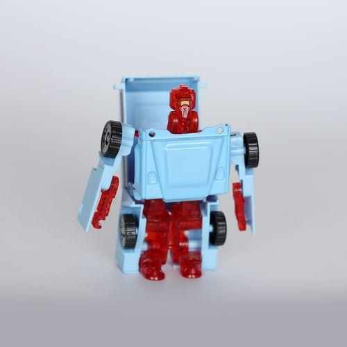 Хувирдаг робот машин