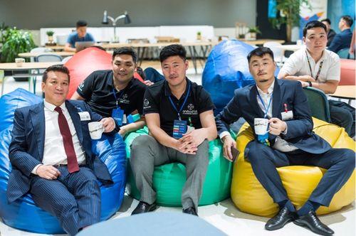 START: Google-ийн төв оффист Монгол стартапууд бизнесээ танилцууллаа